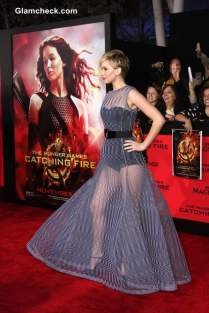 Jennifer-Lawrence-in-Dior-Couture-Evening-Gown-at-The-Hunger-Games-Catching-Fire-Premiere